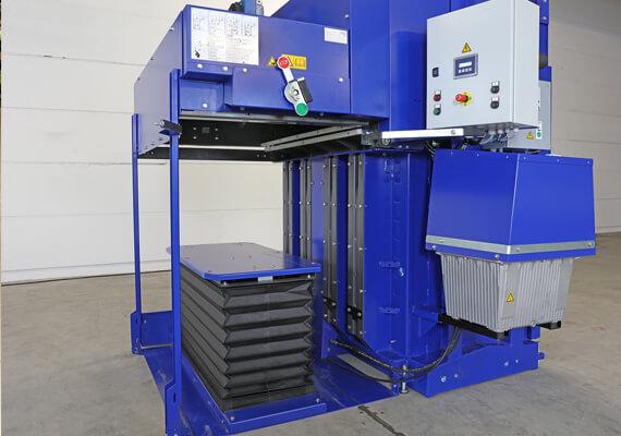 Vertikalus-pusiau-automatinis-presas-AutoLoadBaler-3