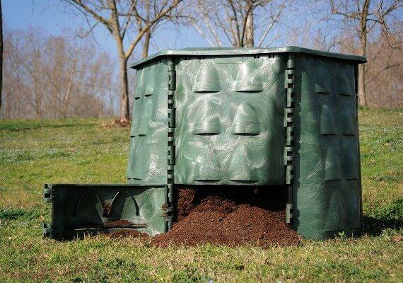 kompostavimo-dezes-horto-700-1000